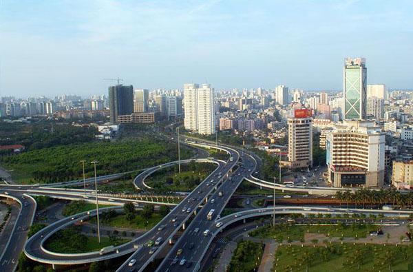 是海口市总体规划城市道路网系统中的重要枢纽;为二层半互通式蝶形